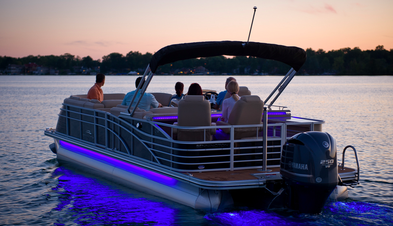 & A Guide to Pontoon Lights: Reviews and Ideas » Boating Focused